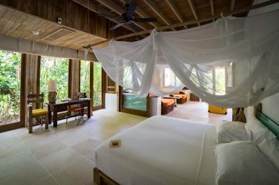 THREE BEDROOM SONEVA FUSHI VILLA SUITE WITH POOL Image